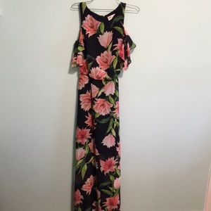 Maxi dress with flutter sleeve and tie waist